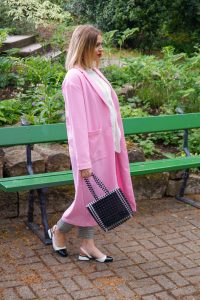 pink coat, casual style, black and white, maxi coat, pink, cap toe pumps, business casual