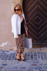 animal print, midi skirt, animal print skirt, pleated skirt, date night look, summer look, summer 2019, new look, katie loxton, black and white, black and cognac