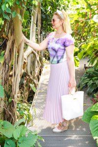 botanical garden, pleated skirt, maxi skirt, lavender, pantone laveder, summer style, feminine, summer 2019, day trip, botanical garden, augsburg, purple