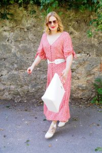 summerdress, summer 2019, why I love dresses, red and white, effortless style, affordable summer dress, H&M, espadrille wedges, fashionblogger, blonde girl, maxi dress