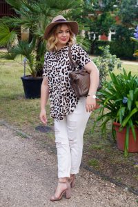 leopard print, summer sandals, blogger sandals, most blogged sandals, summertime, leopard, white denim, early fall look