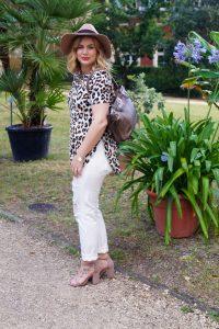 leopard print, summer sandals, blogger sandals, most blogged sandals, summertime, leopard, white denim, early fall look