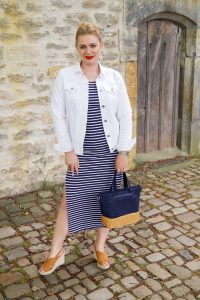 striped dress, transition into fall, midi dress, summer dress, dress lover, navy and white, red lipstick, wicker bag