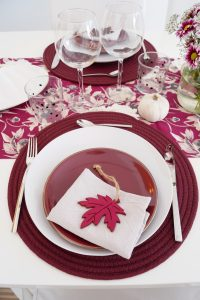 fall table, table scape ideas, autumn, fall decor ideas, home decor, Madame Schischi, house, decoration ideas, feeling at home, burgundy