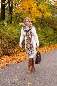 knit dress, off-white, fall style, autumn fashion, fall, brown and white, suede boots, Michael Kors, fall leaves, soft waves