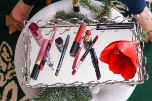 beauty, beauty blog post, lipstick review. lipstick combos, lipstick addict, fall colors, winter colors, lipstick swatches