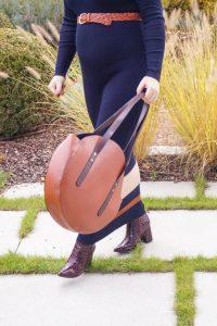 knit maxi dress, navy blue, knit dress, maternity style, style the bump, bumpstyle, fashionblogger, Madame Schischi, styleblogger