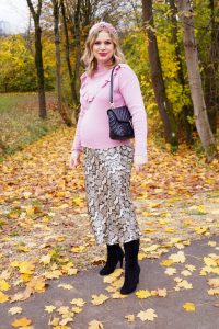 fashion, fashion blogger, Madame Schischi, leopard print, ruffle detail sweater, midi skirt, fall fashion, fashion trends