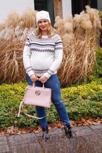 blush, norwegian pullover, christmas sweater, holiday style, maternitystyle, dress the bump, casual holiday look, fashionblogger, fashion, Madame Schischi