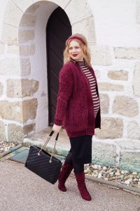 burgundy, winter style, stripes for the win, chenille, dark lipstick, maternity style, bump style, pregnant, dress the bump, fashion blogger, fashion Madame Schsichi, esmara
