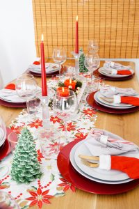 table scape, christmas, decoration, hosting a dinner, christmas table decor, table decor, Madame Schischi, home decor, holiday dining