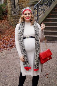 fashionblogger, fashion, Madame Schischi, pregnancy style, maternity style, dress the bump, leopard print, pops of red, winterstyle, styleblogger