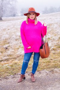 fashionblogger, fashion, style blogger, neon colors, pink, winter style, dress the bump, bump style, maternity style, pregnancy style