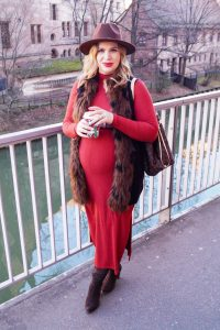 fashionblogger, fashion, midi dress, Luis Vuitton Neverfull, styleblogger, dress the bump, bumpstyle, maternity style, pregnancy style, winter look, boho style