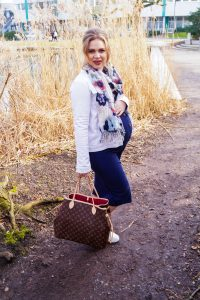 fashionblogger, fashion, styleblogger, how to style, what to wear, pregnancy style, maternity style, mom to be, sneaker trend, spring, spring style