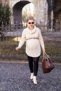 fashionblogger, fashion, styleblogger, pregnancy style, maternity style, mom to be, cream x black, LV Neverfull, cozy style, how to style, what to wear, comfy knit, SheIn