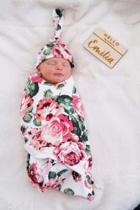 baby pictures, birth annoucement, newborn shot, swaddle set, fashionable baby, wooden name tag