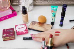 beauty, beauty review, holy grail, holy grail make-up prodcuts, my go-to beauty products, sephora, mac, smashbox, benefit, essence