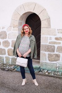 fashionblogger, fashion, styleblogger, how to style, what to wear, olive green, fashion colors, mom to be, pregnancy style, maternity style, casual spring style, spring style, spring
