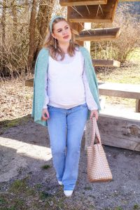 fashion blogger, fashion, style blogger, spring style, spring fashion, spring, pastel colors, pregnancy style, maternity style, mom to be, preggers, how to style, what to wear
