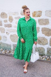 fashionblogger, fashion, style blogger, what to wear, how to style green, green for summer, summer dresses, midi dresses for summer, midi dress love, white x green
