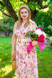 blush summer dress, flower summer dress, pink peonies, peonies, flower print, summer stlye, summer dress, summer, garden pictures