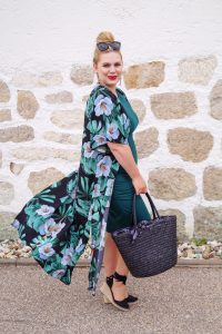 fashionblogger, fashion, kimono style, flower print, how to style, what to wear, summer style, summer, womans fashion, affordable style
