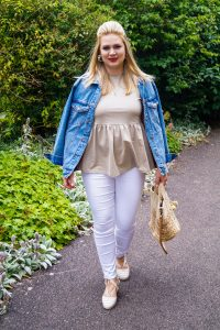 fashionblogger, denim on denim, white denim, how to style, what to wear, peplum top, woman´s fashion, affordable fashion, summer style, summer, everyday style, Madame Schischi