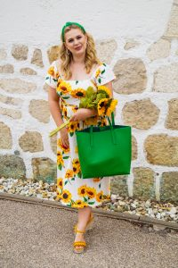 fashionblogger, fashion, style blogger, sunflower print, off-shoulder dress, flower print dress, summer, what I wear, ootd, how to style