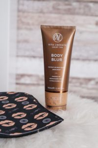 beauty review, vita liberata, self tanning alternative, get your tan on, summer style, beauty, beauty products, lace skirt, summer beauty procuts, summer