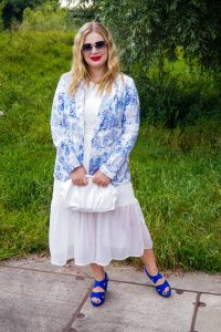 fashionblogger, summer style, summer, summer dresses, ootd, what I wore, how to style, chinoiserie blazer, royal blue, chic summer styling