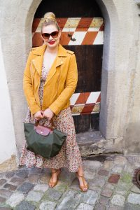 pre-fall, fashionblogger, midi dress, flower dress, moto jacket, longchamp, fall style, ootd, what I wear, how to style, fashion, autumn colors