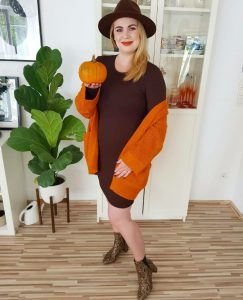 fashionblogger, fashion, fall fashion, autumn style, casual style, mom style, ootd, what I wear, how to style, pumpkins