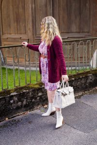 fashionblogger, fashion, fall fashion, autumn style, casual style, mom style, ootd, what I wear, how to style, burgundy, western boots, fall dress, autumnal style