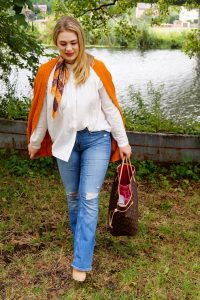fashionblogger, fashion, fall fashion, autumn style, casual style, mom style, ootd, what I wear, how to style, orange, LV Neverfull