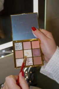 beauty, beauty review, eyeshadow palette, catrice, kaviar gauche, holiday look