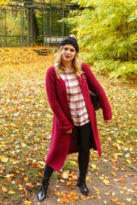 fashionblogger, fashion, fall fashion, autumn style, casual style, mom style, ootd, what I wear, how to style, leather leggings two ways, flanell, pumpkin shirt, leather leggings