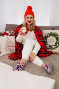 loungewear, pandemic fashion, home style, christmas, christmas fashion, cozy at home, mad for plaid, cozy, comfortable loungewear, staying at home, fall time, christmas, red x white, christmas decor