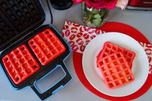 valentines day, pink waffles, breakfast ideas, hearts and flowers, valentines day pj´s, valentines day breakfast, cute v-day style, at home v-day, v-day