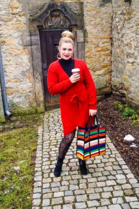 fashionblogger, fashion, winter fashion, winter style, casual style, mom style, ootd, what I wear, how to style, red knit dress, wrap dress, coffee run, sunday walk, patterned tights