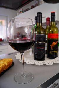 wine tasting, red wine, cabernet sauvignon, gallo, yellow tail, dark horse, carnivor