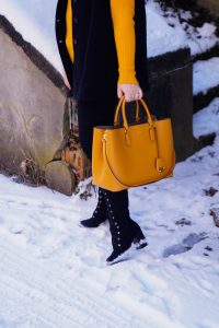 fashionblogger, fashion, winter fashion, winter style, casual style, mom style, ootd, what I wear, how to style, cape, Ralph Lauren, Zara, teddy fur, black x yellow, drama queen, dramatic style