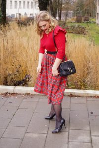 fashionblogger, fashion, winter fashion, winter style, casual style, mom style, ootd, what I wear, how to style, plaid, mad for plaid, red dress, womans fashion, classic style, red and plaid, ruffles