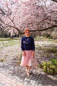 fashionblogger, blogger, fashion, stylish, fashionista, spring style, spring fashion, spring, pleated skirt, blush skirt, everything blush, esmara, sheIn, guess