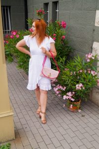 fashion blogger, fashion inspo, white dresses, bridal shower, 31 dresses of summer, dress challenge, summer dresses, summer, how to style, what to wear, outfit inspo, womans fashion, madame schischi