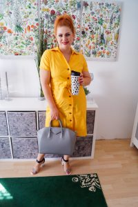 fashionblogger, fashion, style inspo, summer, summer dresses, 31 dresses of summer, office dress, office style, coffe mug, madame schischi, how to style, what to wear, dress lover, fashion blog, blog post