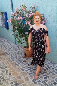 fashion blogger, fashion post, flower dress, salsa dress, emoji dress, how to style, what to wear, feminine style, studded sandals, 31 dresses of summer, dress challenge, darte night dress