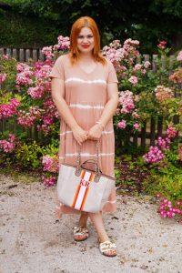 fashion blogger, fashion post, style inspo, summer, summer fashion, 31 dresses of summer, summer dresses, tie-dye dress, jersey dress, linen blazer, personalized handbag, how to style, what to wear